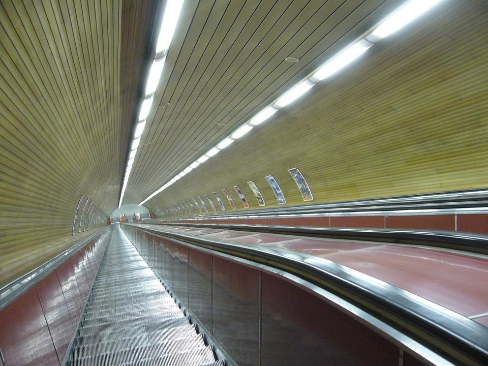 eskalátory metra