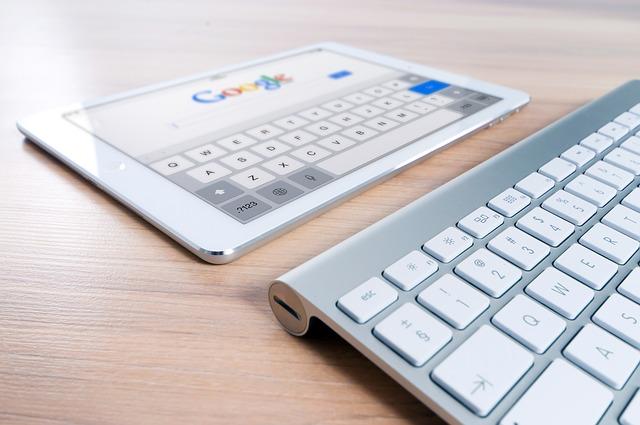Detail na iPad s klávesnicí