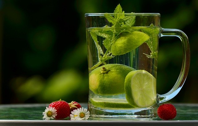 voda s limetou
